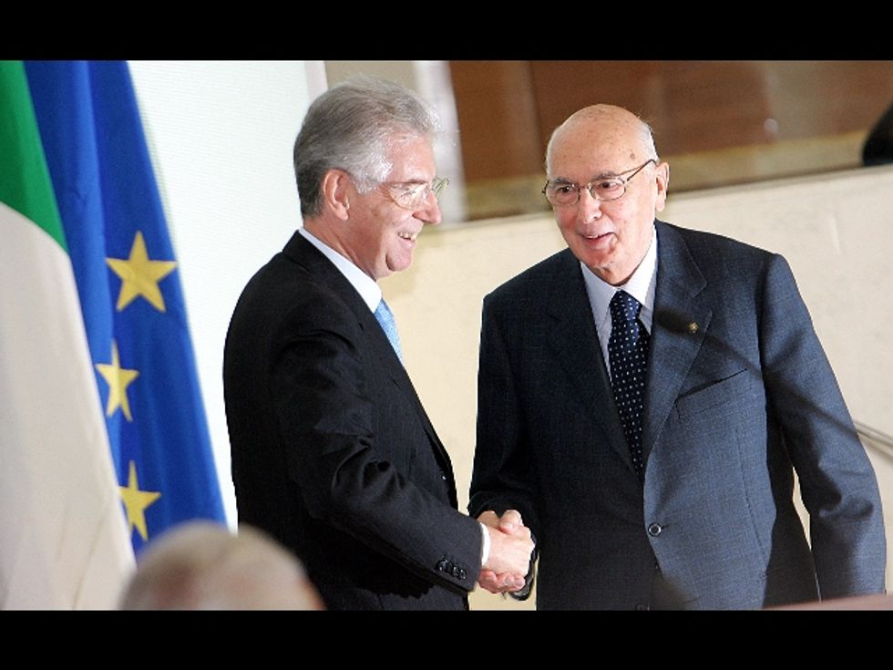 Monti e Napolitano: non si può non votare. Bella scoperta