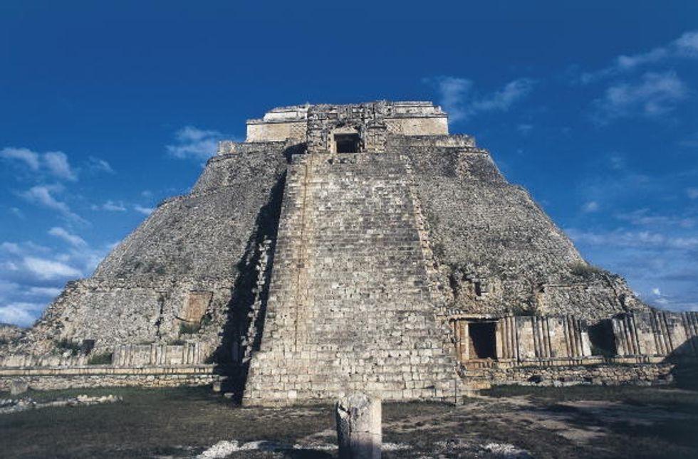 Profezia Maya, ecco chi si arricchisce con la fine del mondo