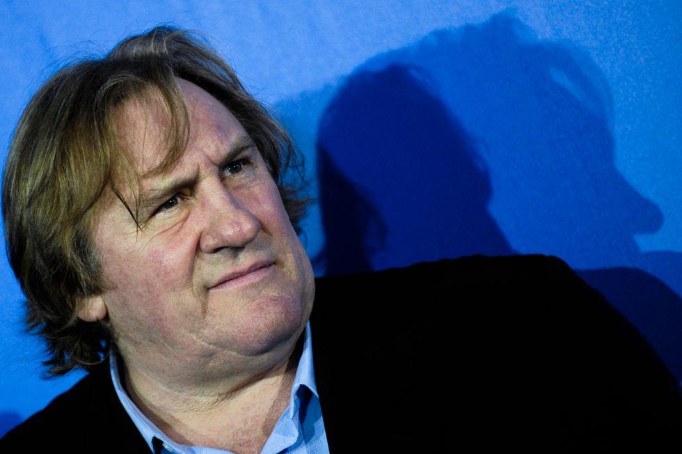 Affaire Depardieu, l'attore scappa in Belgio mentre in Francia aumentano i poveri