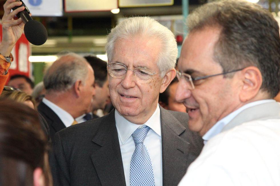 I social danno il voto al Governo Monti: 6-- (politico)
