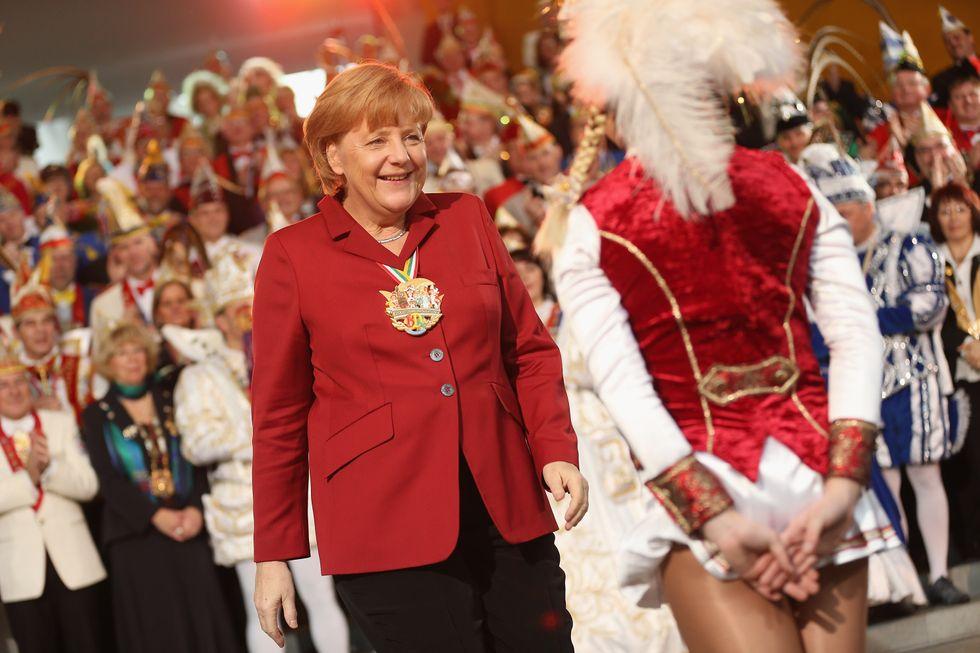 Angela Merkel al carnevale di Berlino