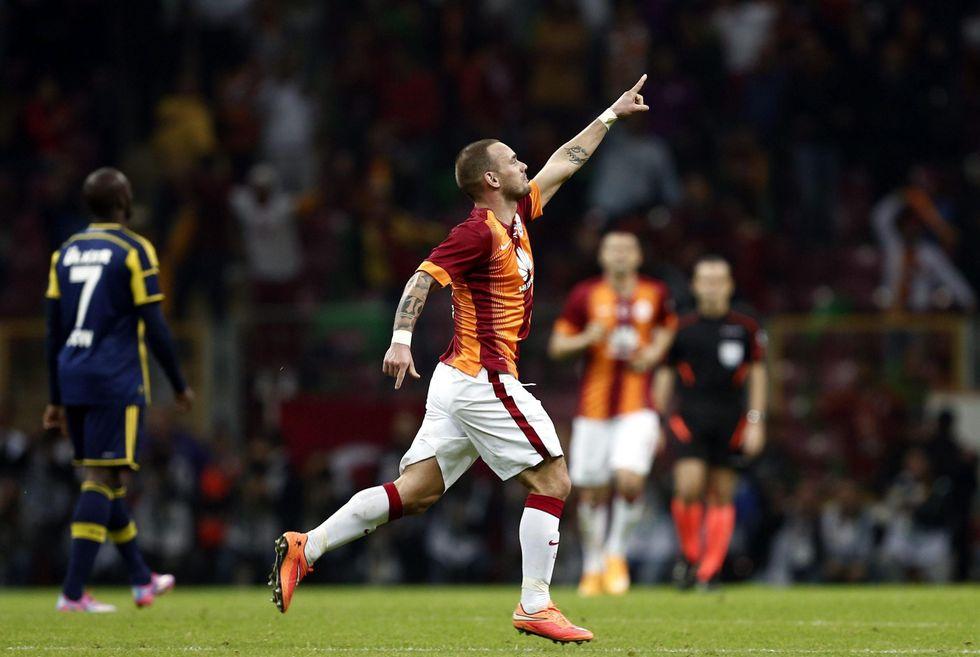 La Juve veste nerazzurro: assalto a Rolando e Sneijder