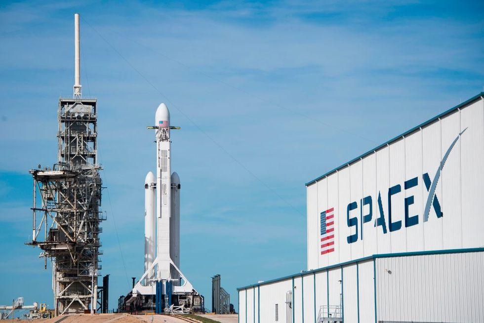 Il primo test di Falcon Heavy, il razzo più potente del mondo