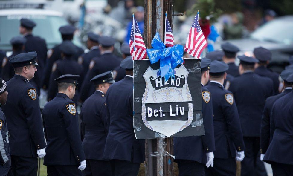 New York: la rabbia dei poliziotti non si placa