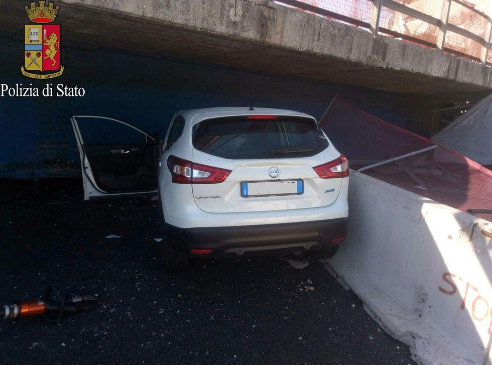Ponte crollato sull'A14: che cosa è successo