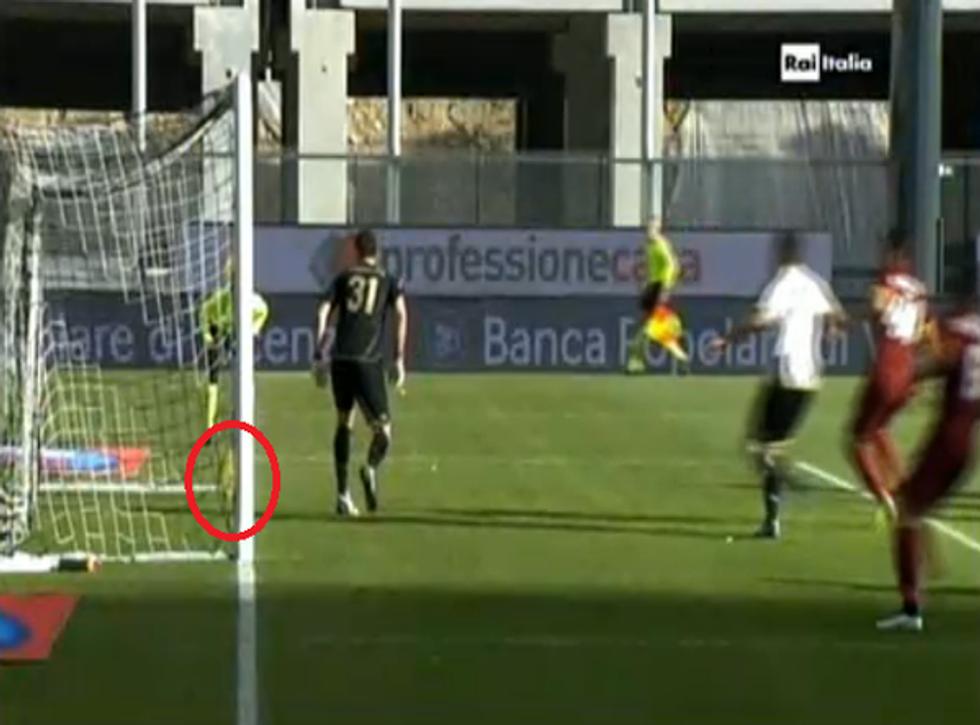 Udinese-Roma, gol fantasma di Astori (e fine dei giudici di porta)