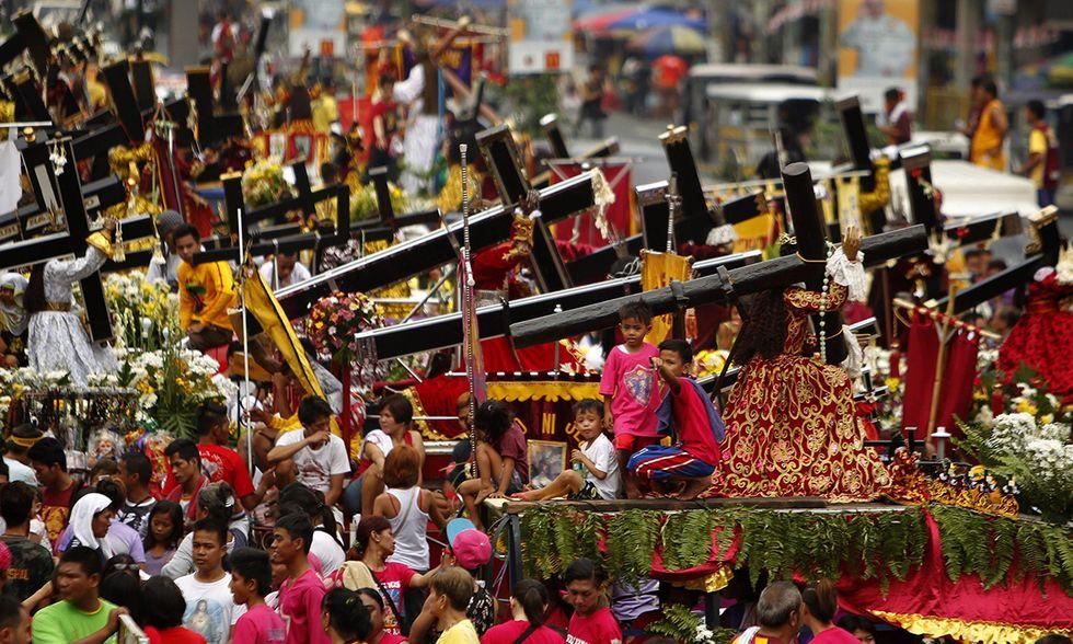 La processione del Nazareno Nero a Manila