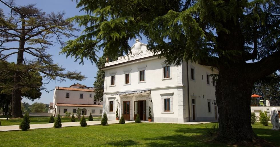 Italy, private companies needed to preserve artistic heritage