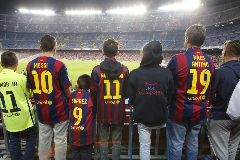 Messi e Neymar, compagni per un giorno. Il viaggio di 13 tifosi speciali