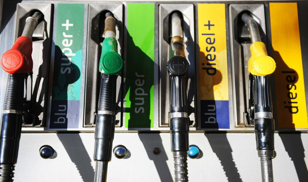 Italian government thinks of way to reduce fuel price