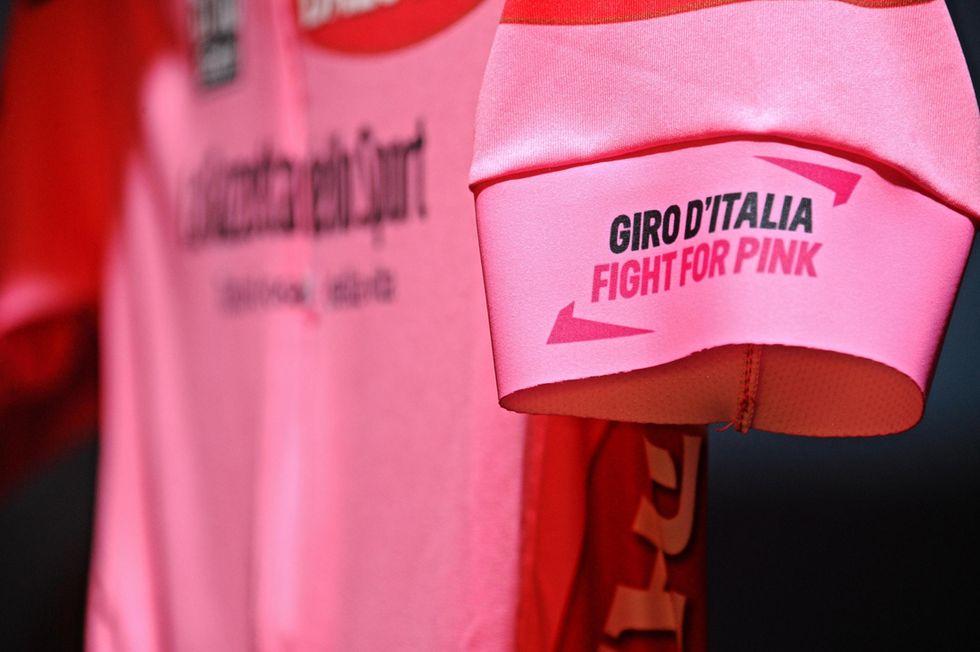 Presentata a Pitti Uomo la maglia rosa del Giro 2015