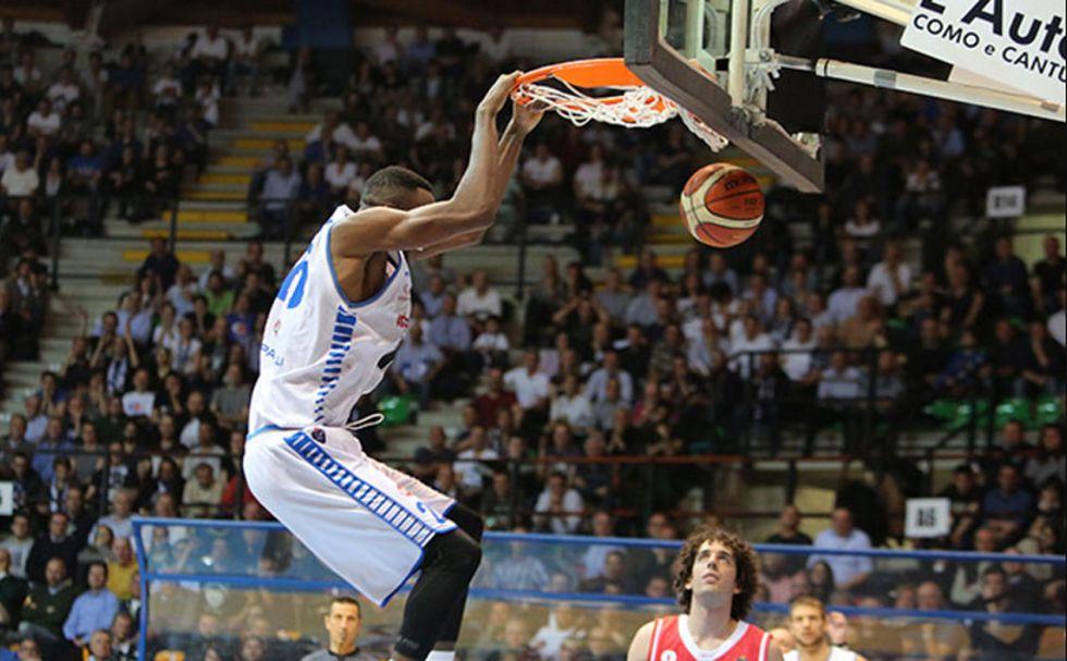 """Basket: la """"zoppa"""" EA7 non si ferma, JJ Johnson (Cantù) migliore del turno"""