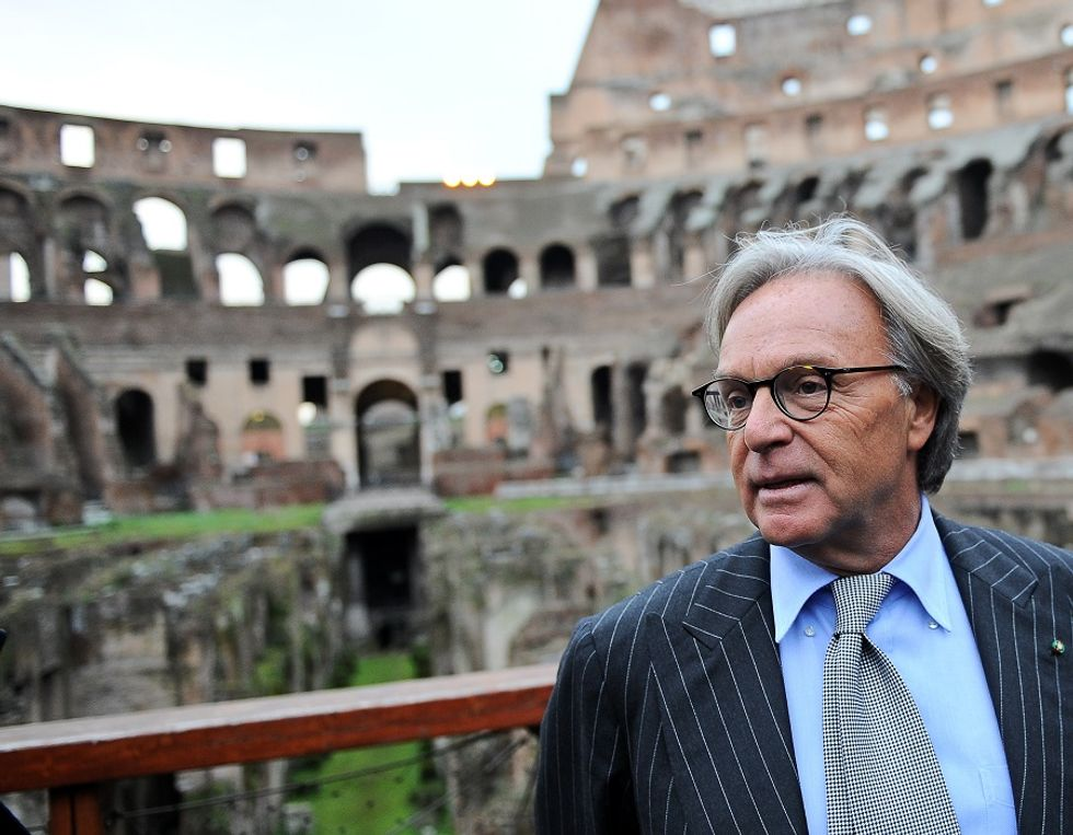 Ave, patrons. Diego Della Valle and the Colosseum