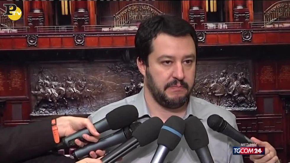 """Il """"vaffa..."""" di Salvini alla Consulta"""