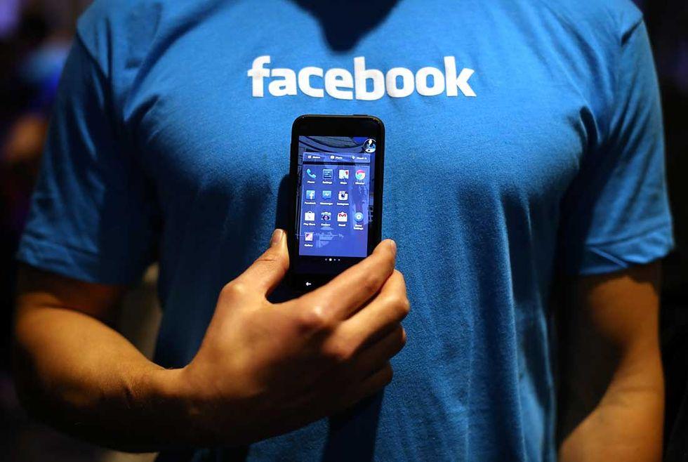 Facebook: guerra alle bufale
