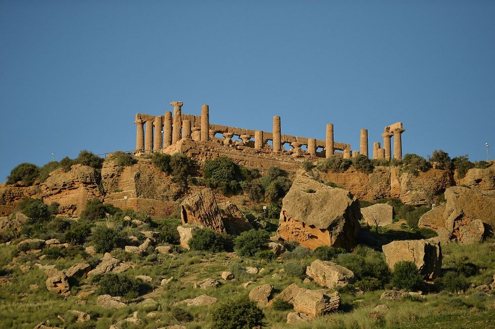Discovering the Agrigento's Valley with a new panoramic railway line