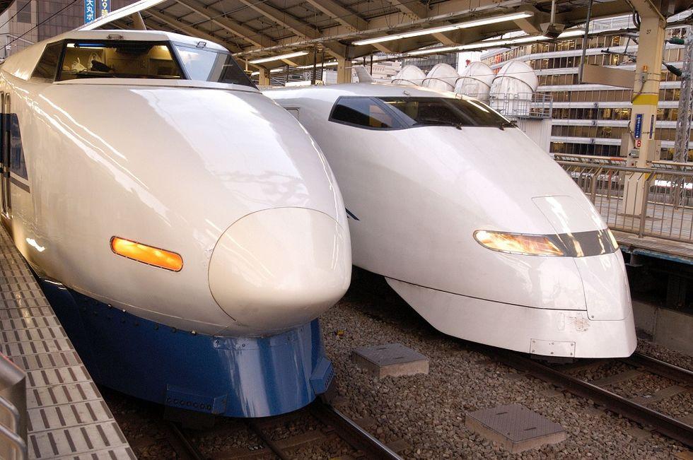 Japanese Hitachi buys Italian trains