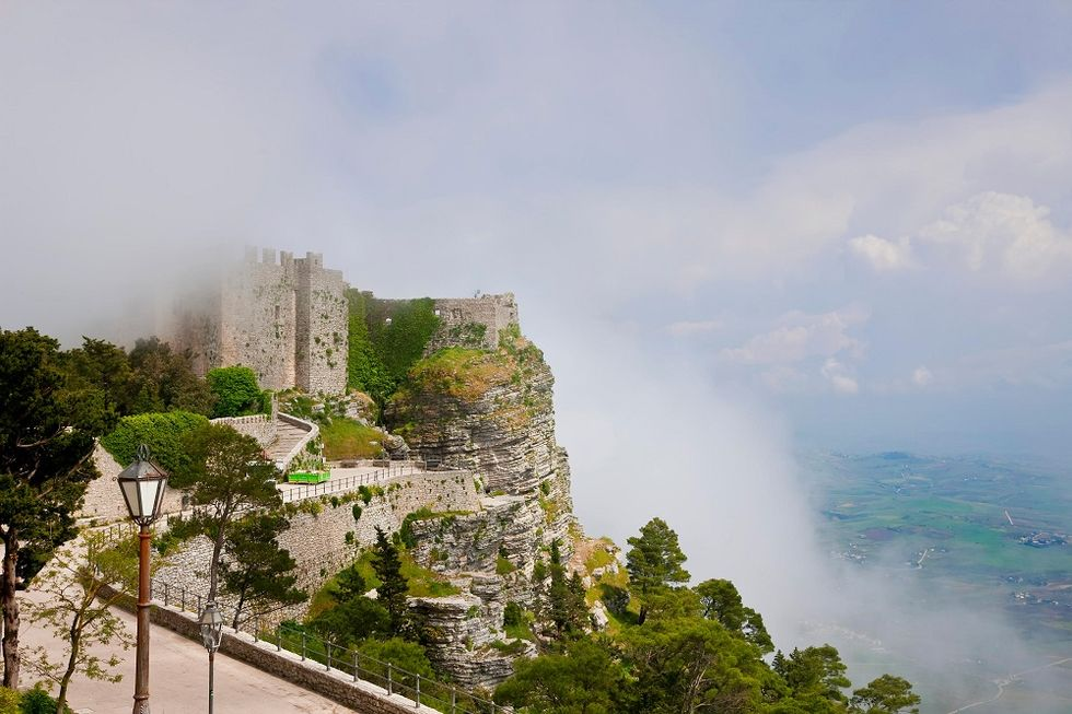 Where to enjoy fairy tales atmosphere, in Italy