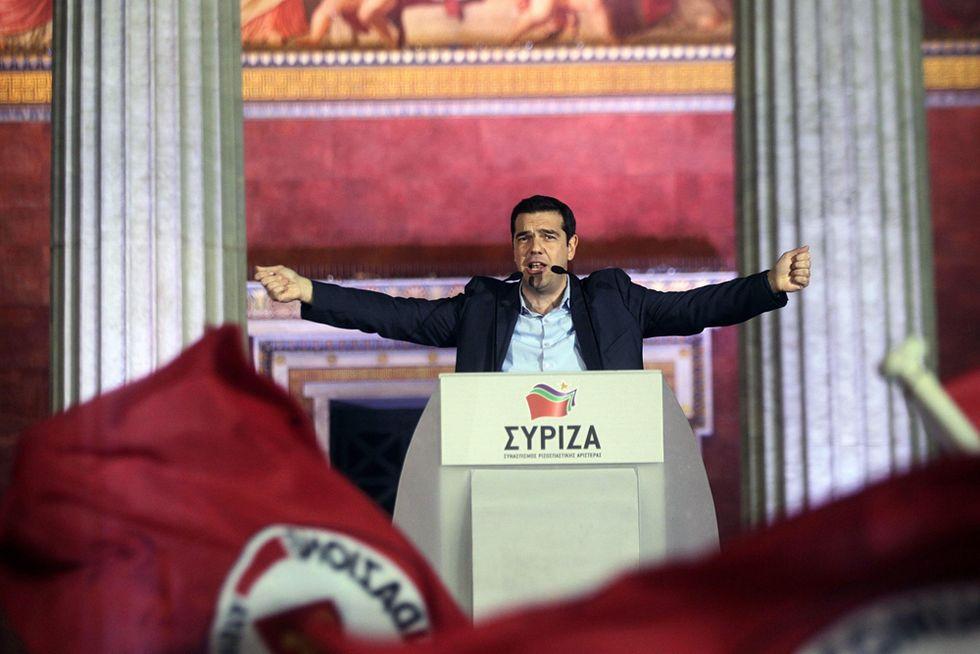 """Tsipras fa già retromarcia: """"Nessun antagonismo con la troika"""""""