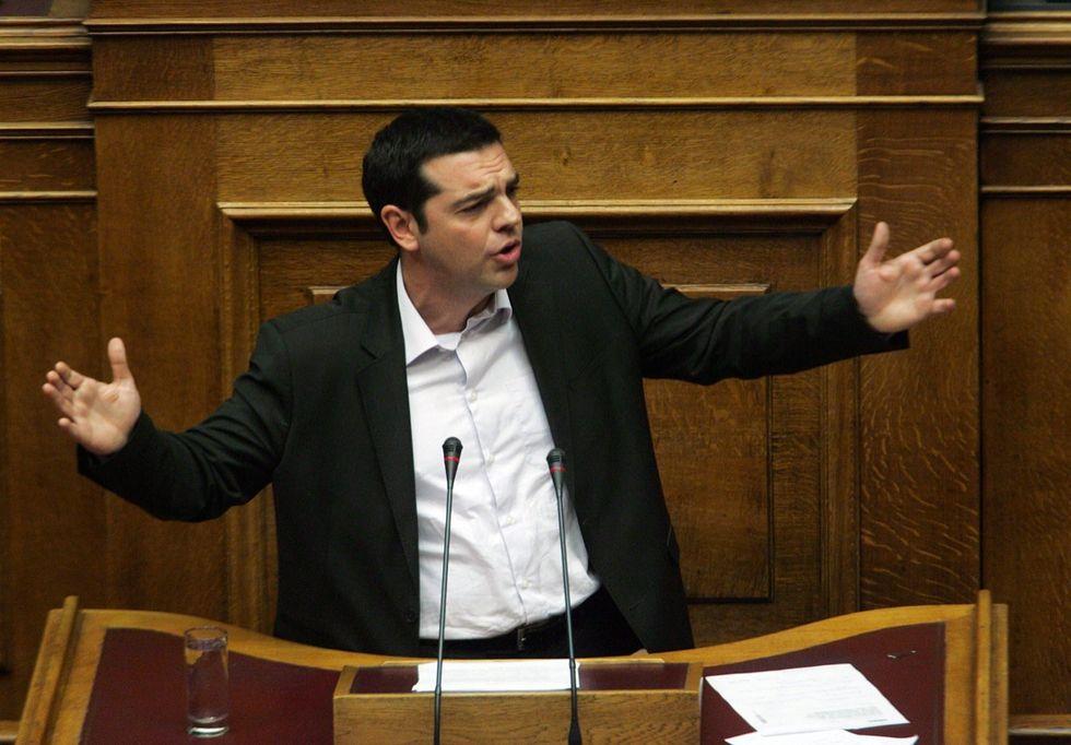 Alexis Tsipras si allea con la destra