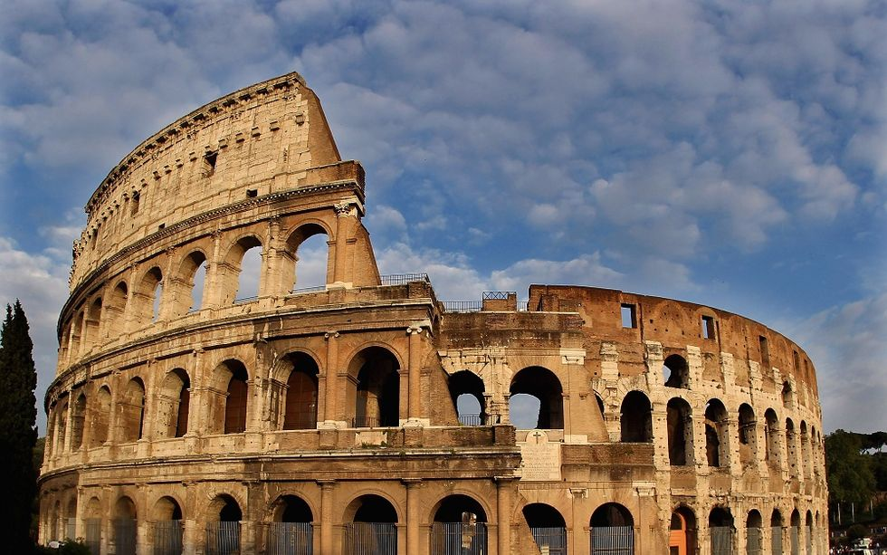 Get married in Rome historic sites