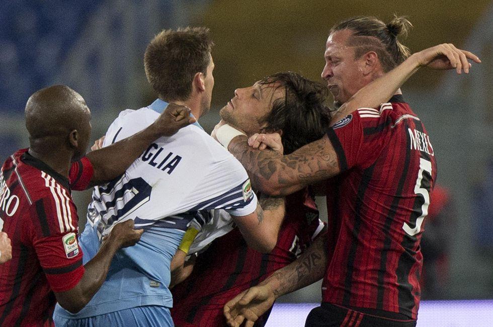 Milan: 4 giornate di squalifica a Mexes