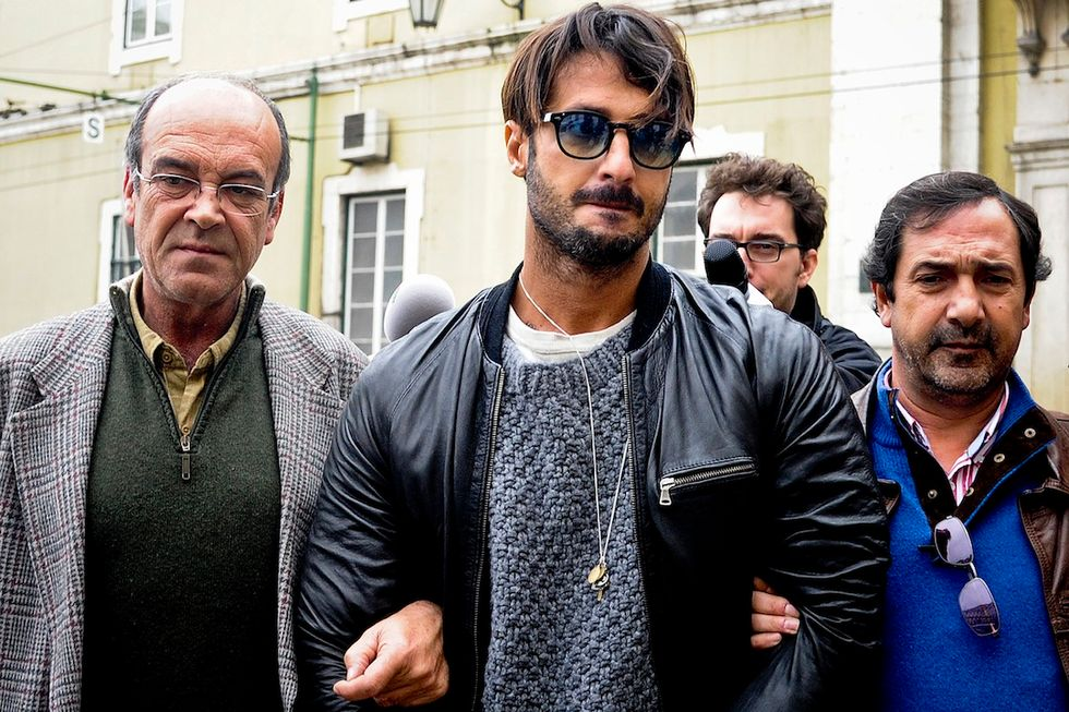 """Fabrizio Corona ha lasciato il carcere e """"urlava per la gioia"""""""