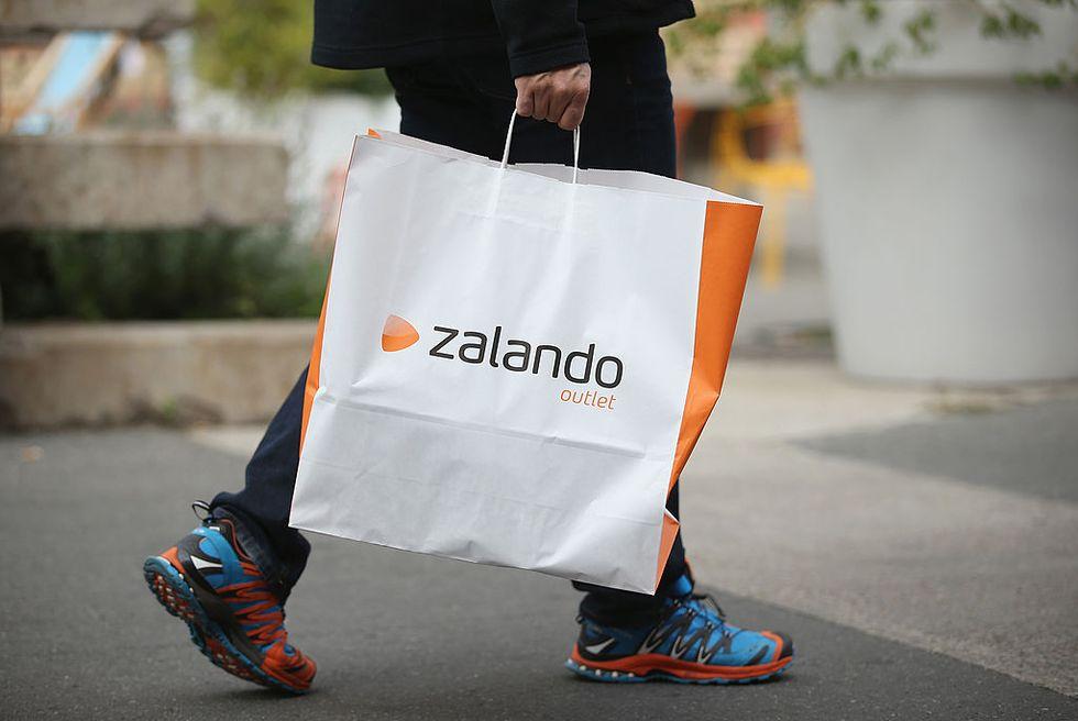 Italian men's passion for online shopping