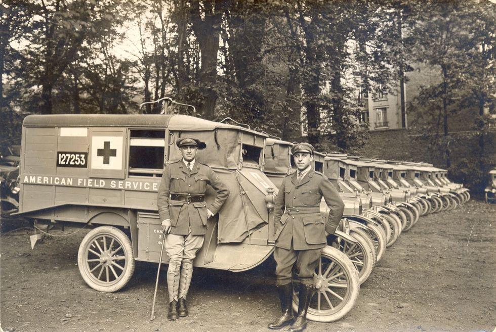 Un'ambulanza al fronte