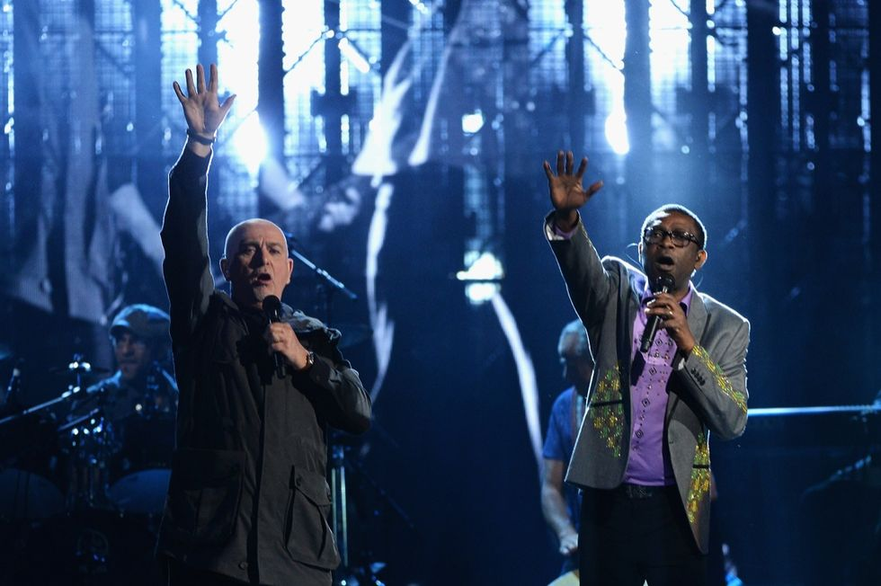 Peter Gabriel, la biografia senza frontiere