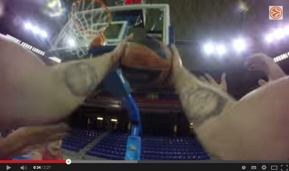 Eurolega show: arriva l'arbitro con la telecamera (per la Tv)