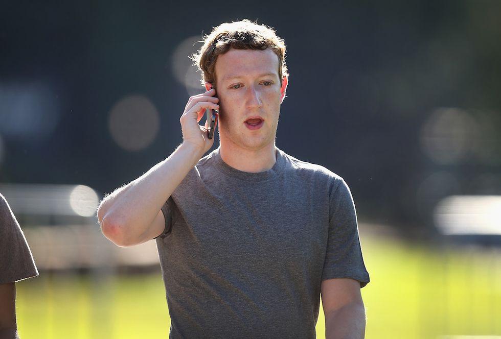 Facebook: i dipendenti rivelano dieci cose tremende del loro lavoro