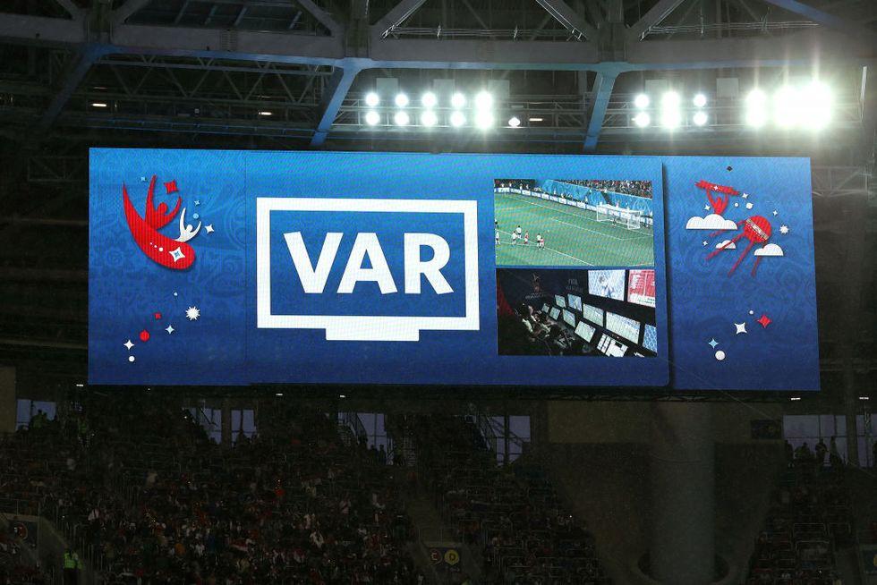 Var Champions League debutto ottavi di finale
