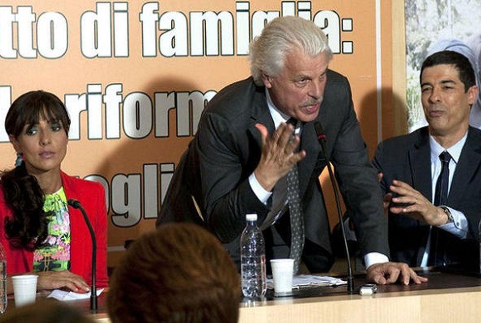 """Ascolti 8/2: la commedia di Rai 1 batte """"Il segreto"""""""