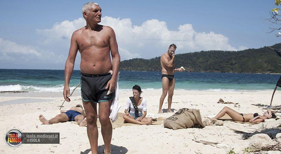 Isola dei Famosi 10: Scanu si salva, Patrizio Oliva è il primo eliminato