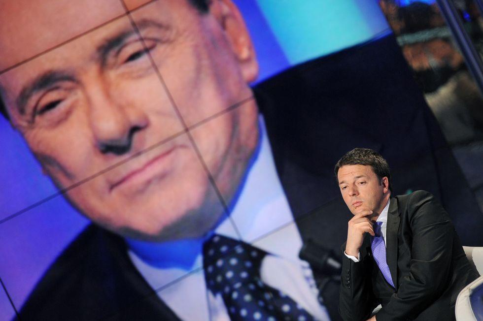 Berlusconi-Renzi: la battaglia a due nel teatrino della politica
