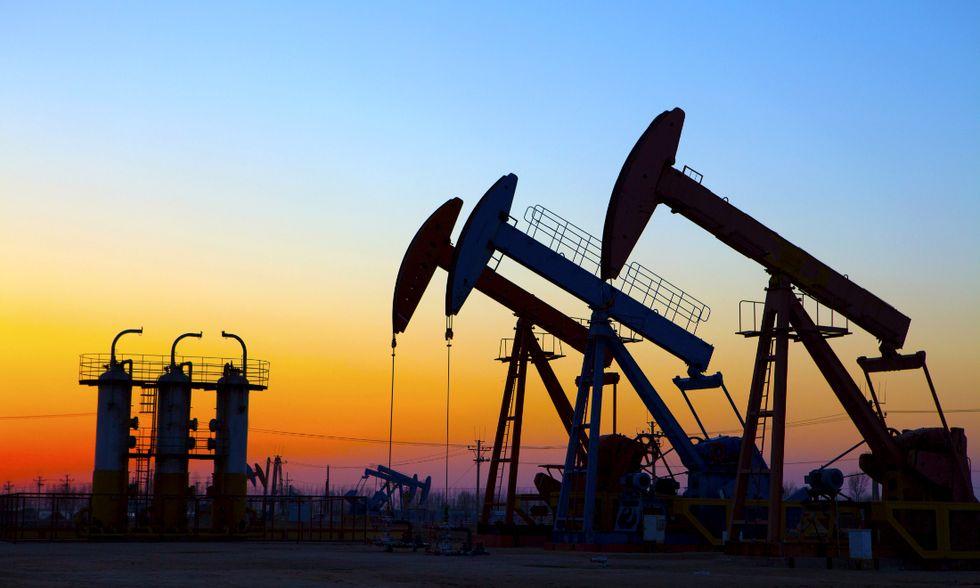 Petrolio: perché il prezzo continuerà a scendere