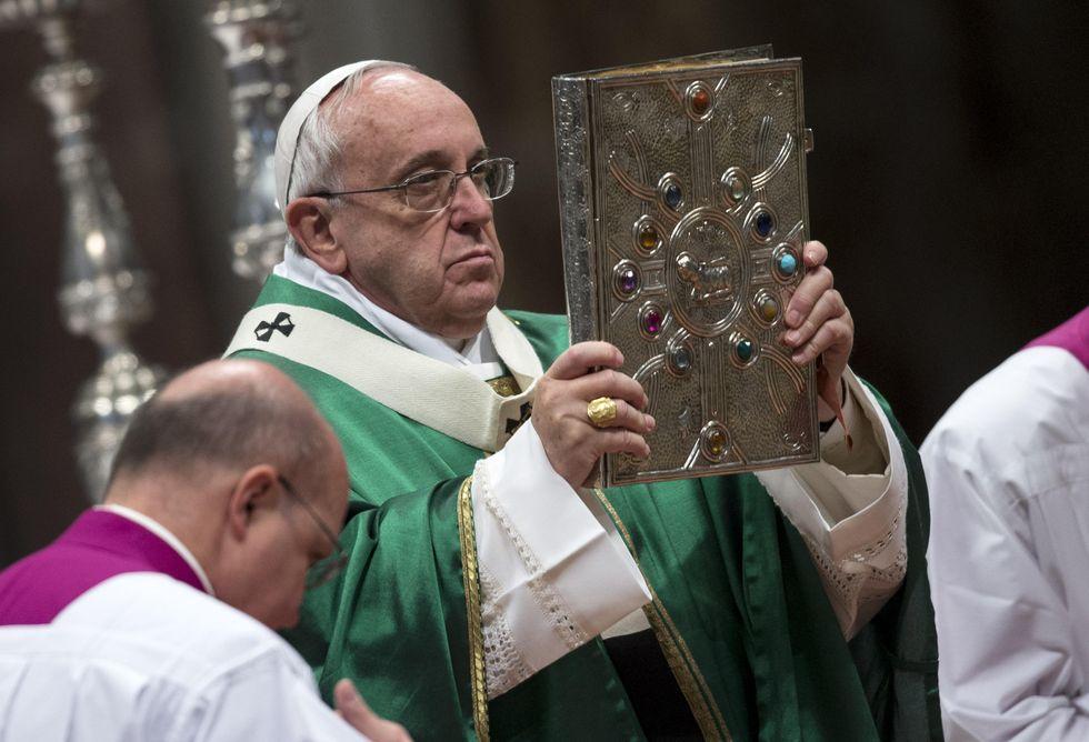 Francesco ai cardinali: «Non isolatevi in una casta»