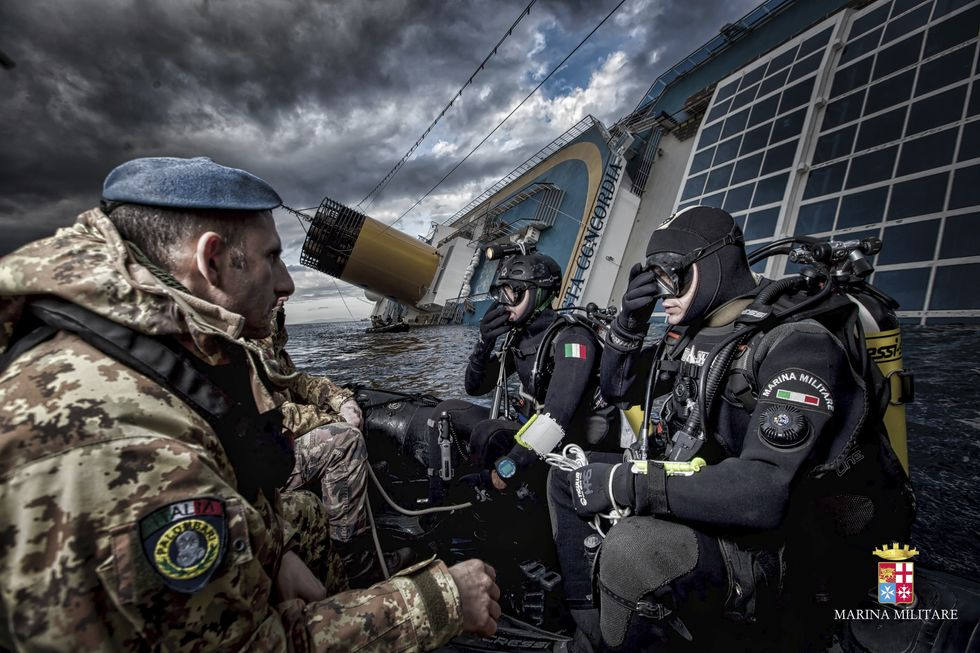 marina militare soccorso grotta