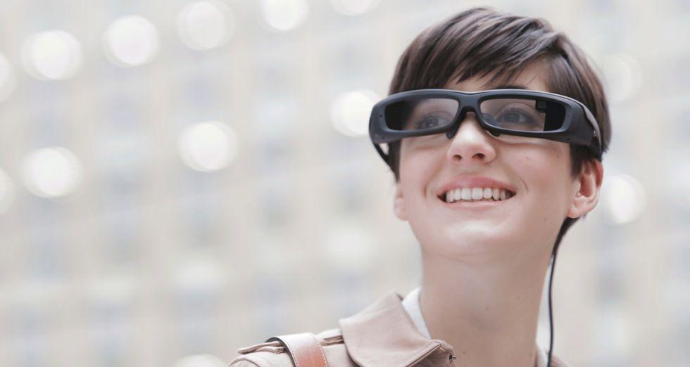 Sony SmartEyeglass vs Google Glass, occhiali intelligenti a confronto