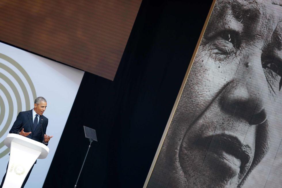 Barack Obama partecipa alle celebrazioni per ricordare i 100 anni dalla nascita di Nelson Mandela