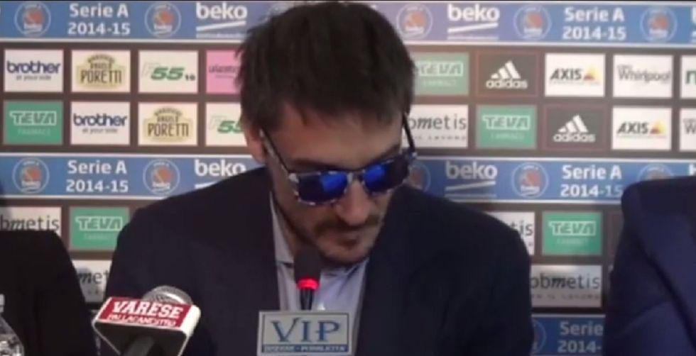 Pozzecco lascia in lacrime la panchina di Varese