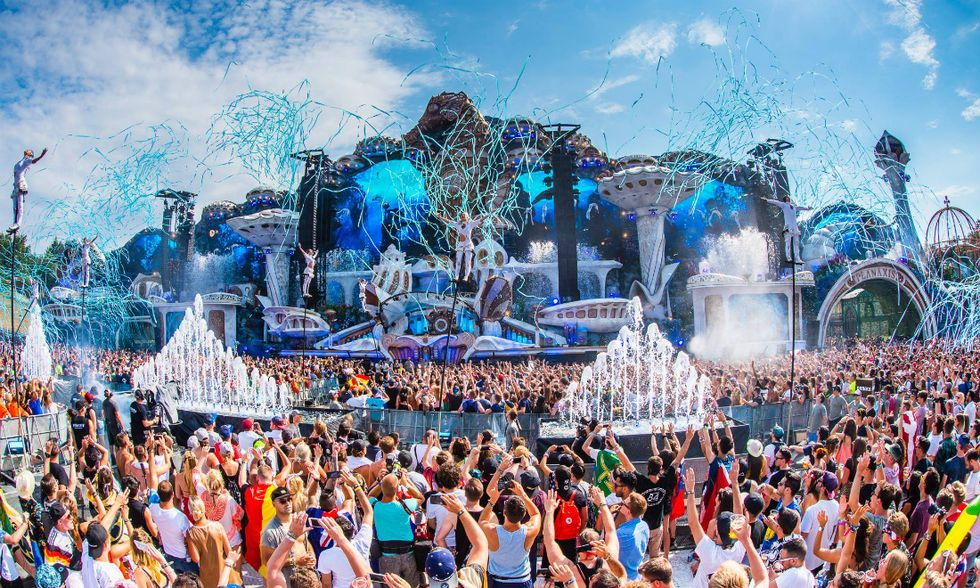 Tomorrowland-apertura