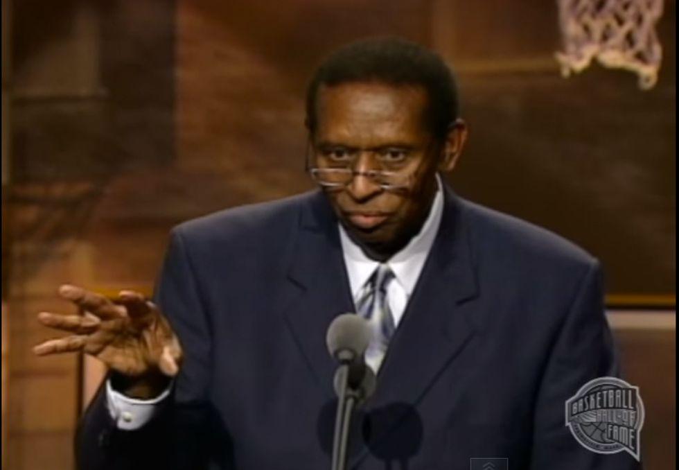 Addio a Earl Lloyd: fu il primo afro-americano nell'Nba