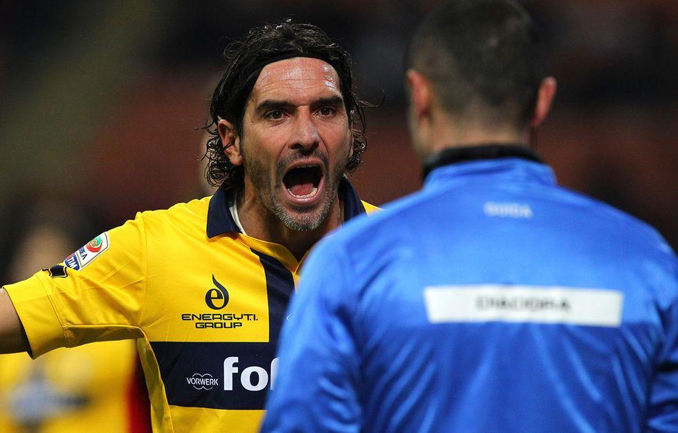Serie A: rinviata Genoa-Parma