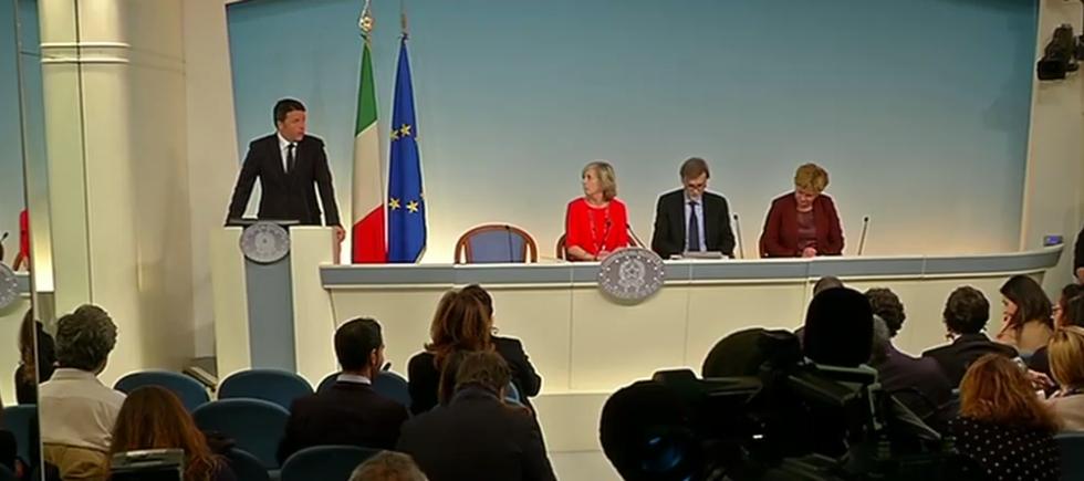Piano scuola, Renzi rinuncia al decreto