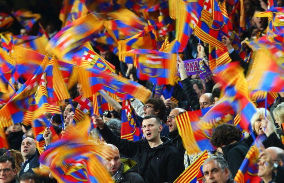 I tifosi del Barca scendono in campo per la Catalogna