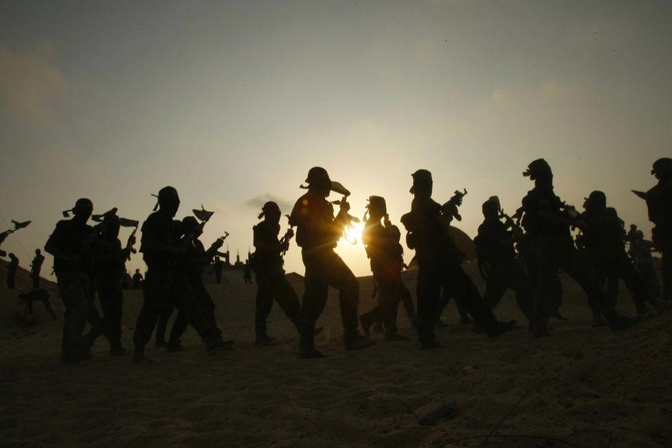 Come l'Isis recluta gli adolescenti