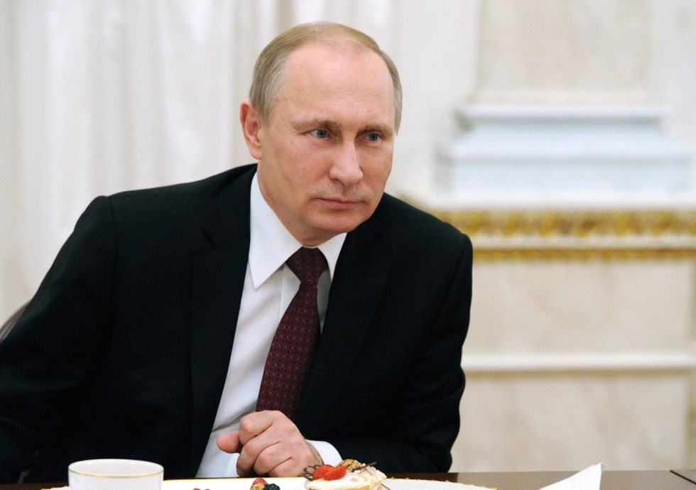 Putin cancella il divieto di rifornire missili all'Iran