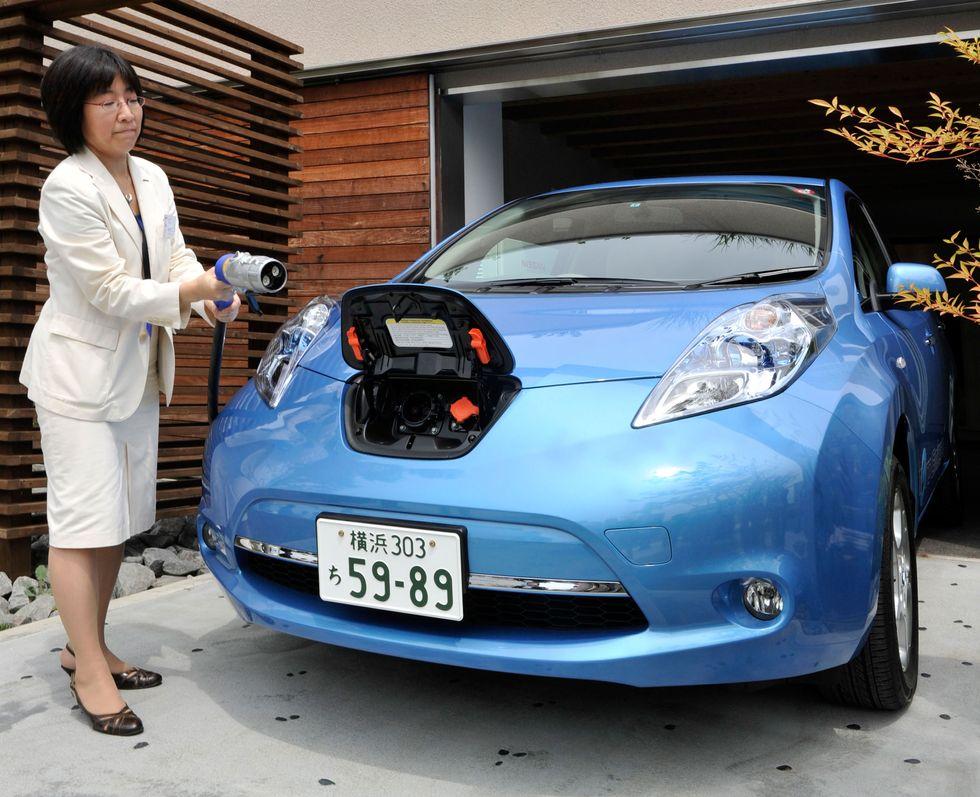 Auto elettriche: in Giappone le colonnine sorpassano i distributori